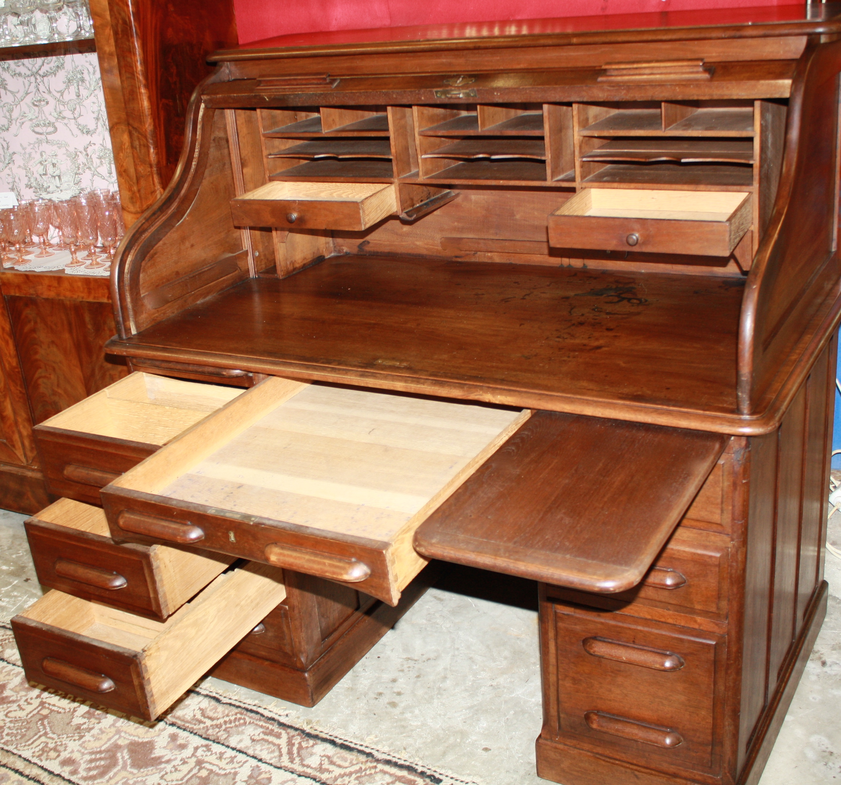 bureau americain bureau americain en chene bureau a rouleau j 39 en r vais un bureau am ricain. Black Bedroom Furniture Sets. Home Design Ideas